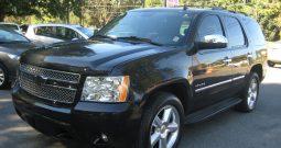 2008 Cadillac Escalade AWD (Black)